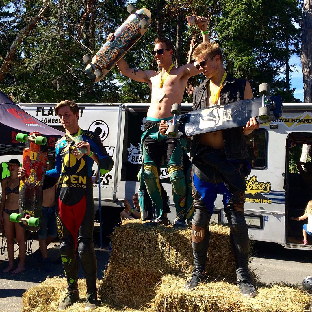 Our dude @troy_yardwaste found himself atop the podium again this weekend, this time at the Salt Spring Slasher. Troy battled hard through a 6-man final heat and made a last minute pass just before the finish line to take the win on his #parissavants....