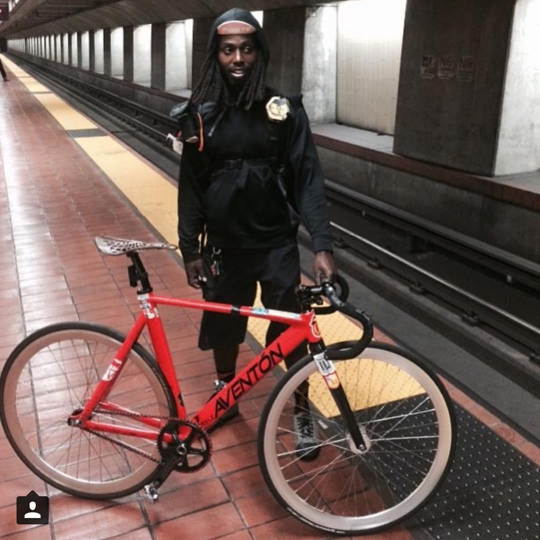 @phixedbikes faster than the speed of a train... #fixedgear #fixiefamous #fixedlife