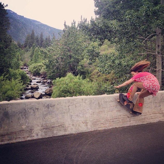 Team rider Yvonne Byers--@yvonzing riding walls!  Yvonne is throwing down hard right now and it's awesome! She is Bonzing through and through!  #yvonnebyers #bonzing #spunk