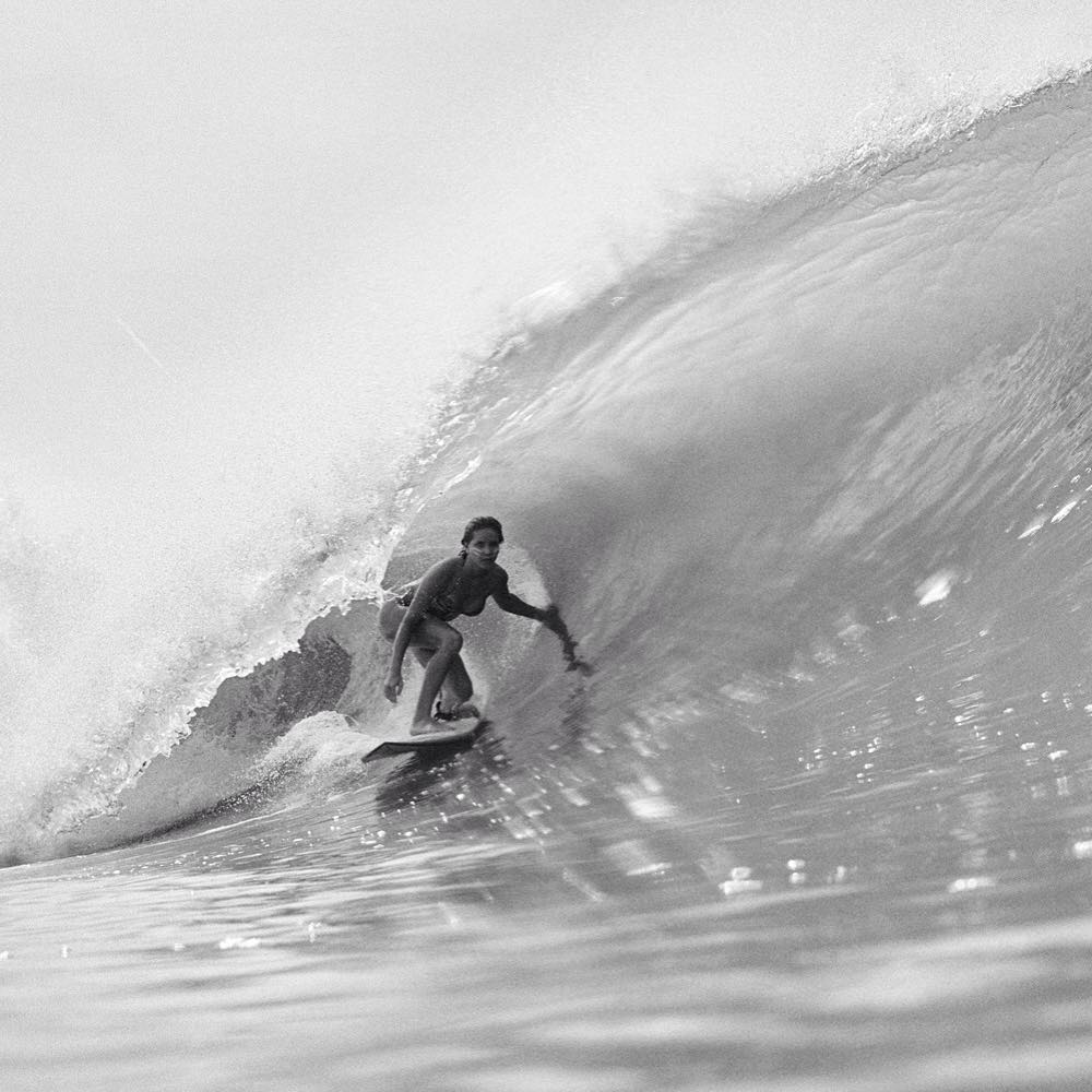 @brunasschmitz cruising down the line in Mexico #ROXYsurf  roxy.com/surf