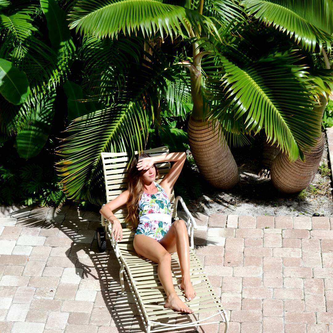 #AkelaSurf  #Ambassador  Summer  Stevens  @summerstevens  Victoria  Jones  Collection  @vicki_jones29  OnePiece  #fashion  #SurfSwimwear  #beautiful  #tropical