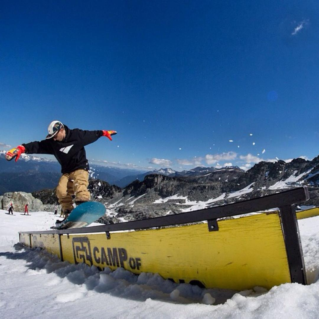 @derek_mo with a clean switch nose press.  Photo: @_lemay #CampOfChampions #Snowboarding #FluxBindings