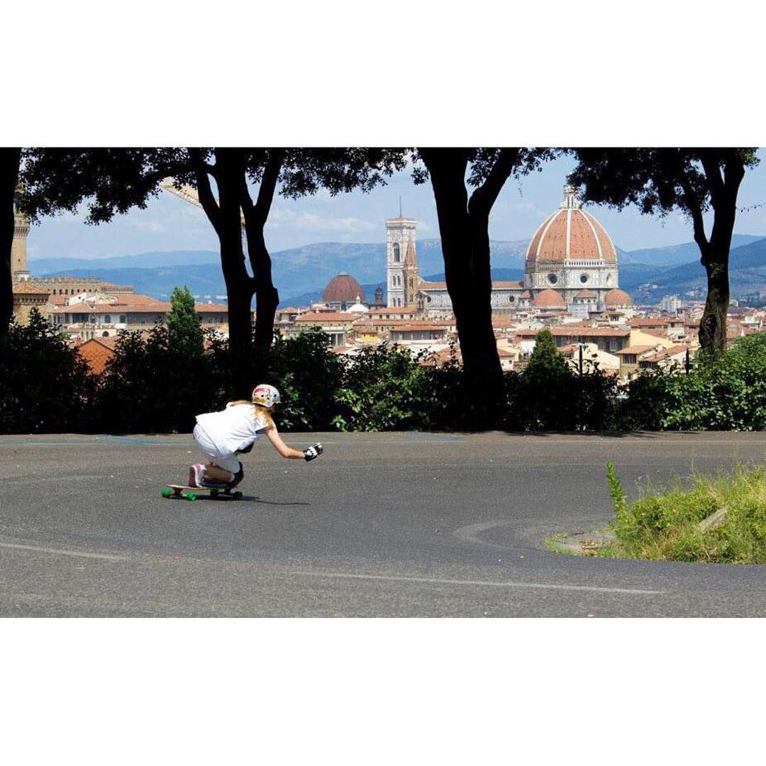 LGC Italy rider Marta Mary @yramatram skating one gorgeous road in Florence.  Elisabetta Pallini photo.  Skate like a girl, with a view!  #longboardgirlscrew #skatelikeagirl #womensupportingwomen #girlswhoshred #lgcitaly #italy #florence #firenze