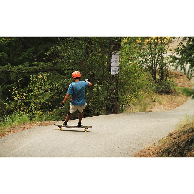 @henry0rtiz shedding some speed before the last left at the #GiantsHeadFreeride on #theKilmer #GIANTloadTour #orangatangwheels