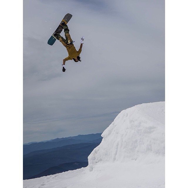 Have you been keeping up with @erikleon_'s #DailyBackflipReport's? Photo: @dannykernphotography #Summer #Shredding#Snowboarding #FluxBindings