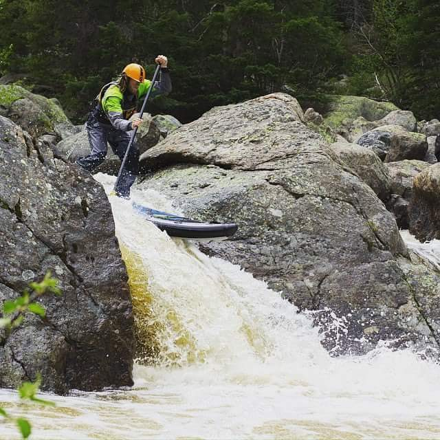 Hala Gear athlete @jeremiahwill1 running birdbath drop on Homestake Creek. #HalaGear #WhitewaterSUP #standuppaddle #theweeklyinsta #sup #riverlife #weloverivers #HalaAtcha #adventuredesigned #whitewaterdesigned