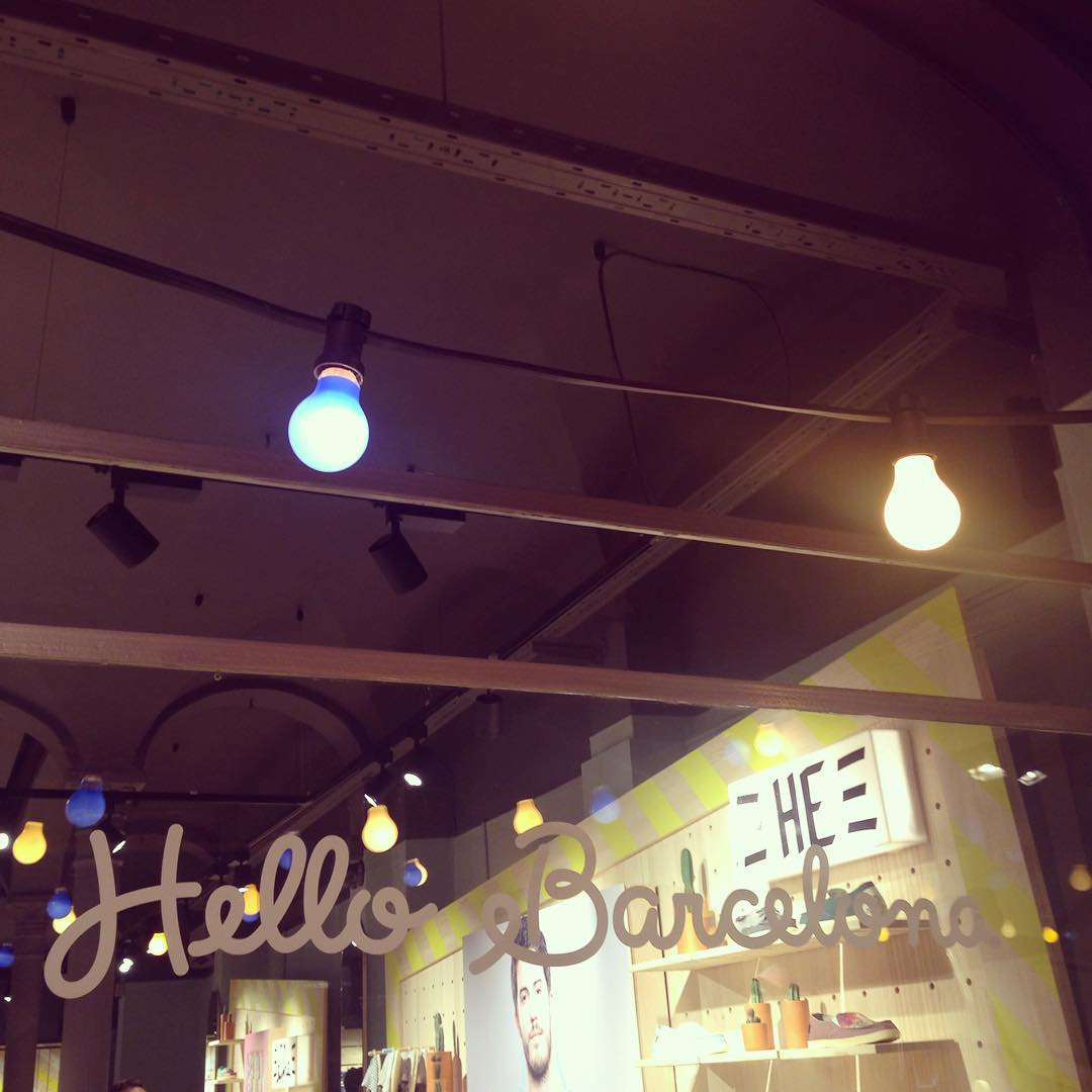 Hello Barcelona! #PaezFlagshipBcn #Opening  Party en Calle Petritxol 4