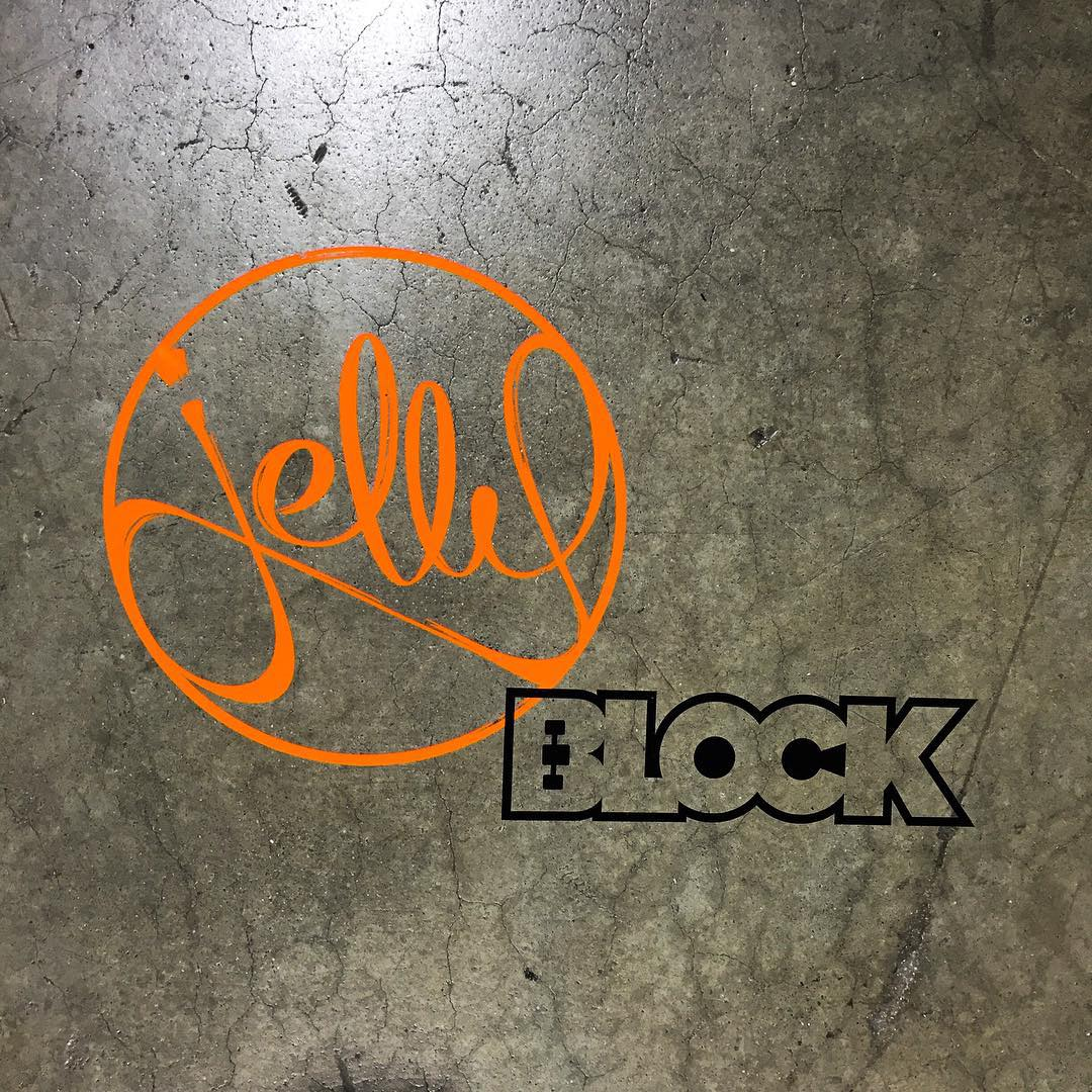 #agendashow Day 2! Cruz it to @blockrisers booth D23 to get a new point of view! Also, last day of our Indiegogo campaign to score on the best pricing ever!  Go to www.jellysblock.com