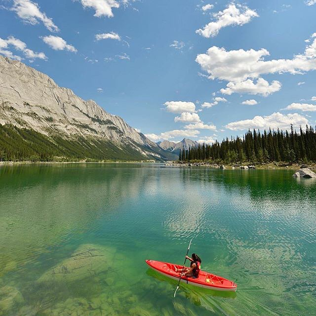 Being a water girl whenever I see a lake, the ocean or a river, I can't help it but make my way to it. Whether it be kayaking, swimming, scuba diving, kiteboarding, or SUPing, I will be the first one getting wet! Repost from @expeditionersbella - we...
