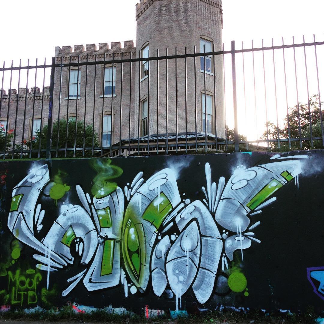 @watchyourmouf #hopeoutdoorgallery • • #ATX #austintx #texas #tx #spratx #mouf #graffiti #grafite #graff #castlehill