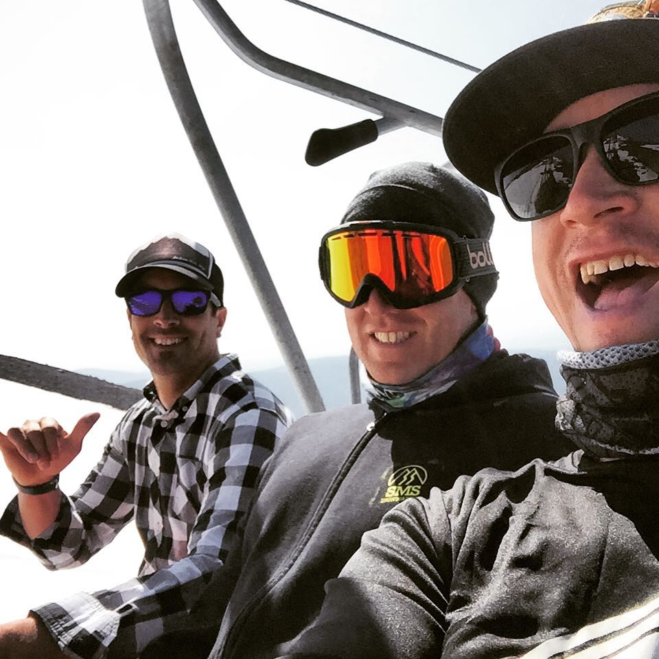 Summer shred reunion with these two dudes the other day. @sethwescott plus @rosspowers equals 3 Olympic golds and one bronze. Heavy chair!  #avalon7 #liveactivated #belegendary #snowboarding www.avalon7.co