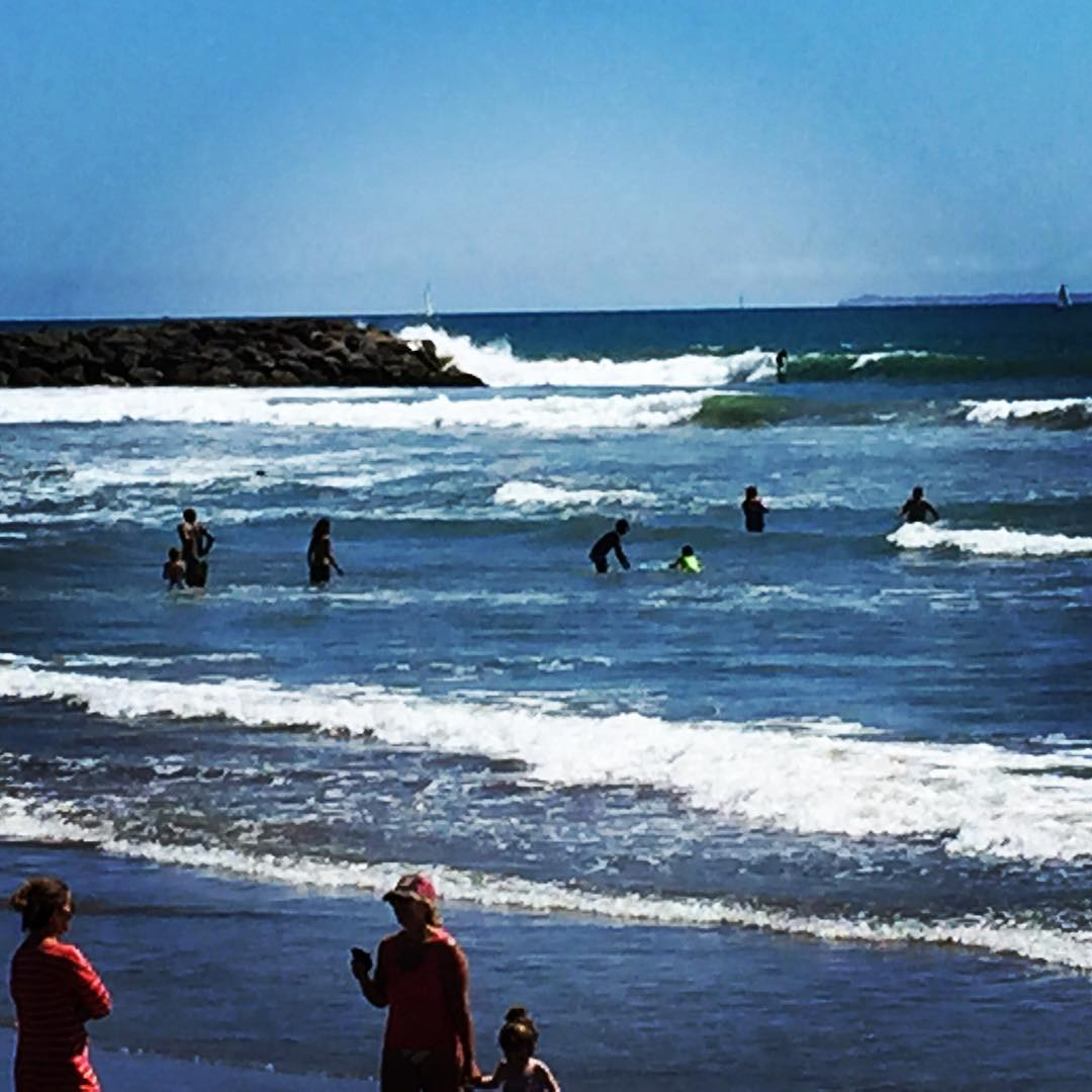 Fun ones off the jetty today. #ventura