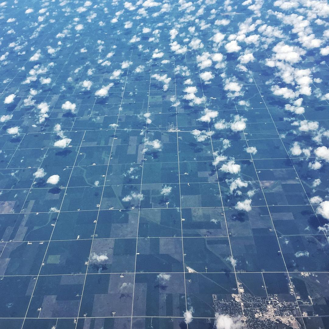 Travel day cloud art from 35k feet over the US of A. #artsyfartsy #travellife #thematrix