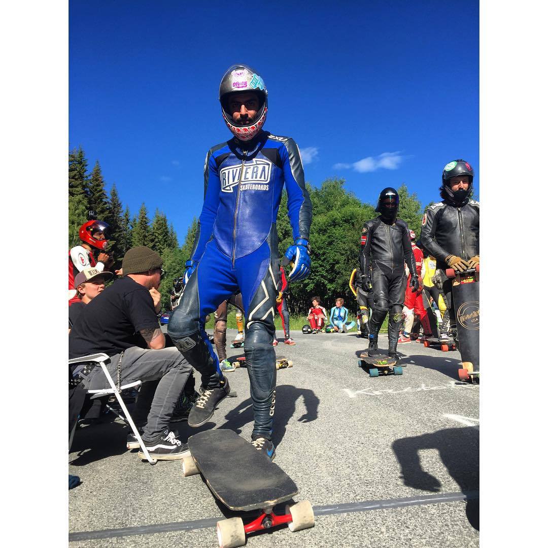 Team rider @ali_nas attended the @idfracing lilly hammer World Cup this weekend and had his color matching game on lock with those blue rag dolls! Be on the look out for a raw run with yours truly, Ali Nas! #timeshipracing #timeship #gloveyoulongtime...