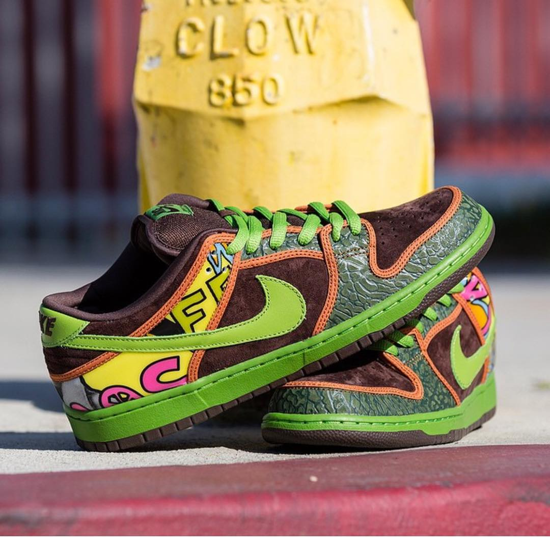 Not sure if we like these or if they're just so ugly they are desirable #nike #delasoul #nikesb #sneakerheads #dopekicks