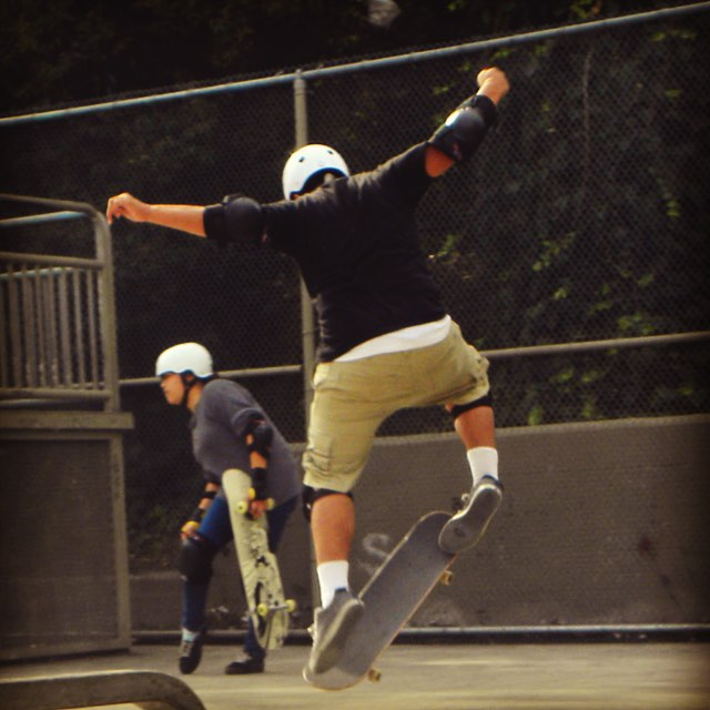 We're always stoked to skate. #skate #skater #skateboard #skateboarding #sk8 #streetskate #skatetricks #grind #skateeveryday #elevateyourskate #citylife #youth #motivation #focus #determination #success #fun #friends #community #achieve #goals...