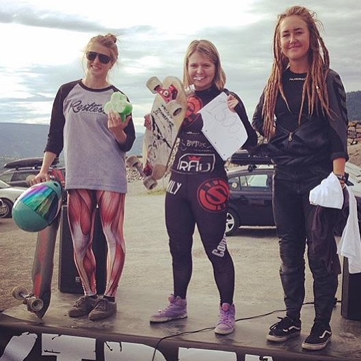 Congrats to XS rider @cassandraduchesne  for second place at the TMI Lillihammer in Norway! @emily_longboards was 1st and Linn Andersson was 3rd. Congrats ladies! @idfracing #longboardgirlscrew #xshelmets #idfracing Photo repost from @lorenzadw
