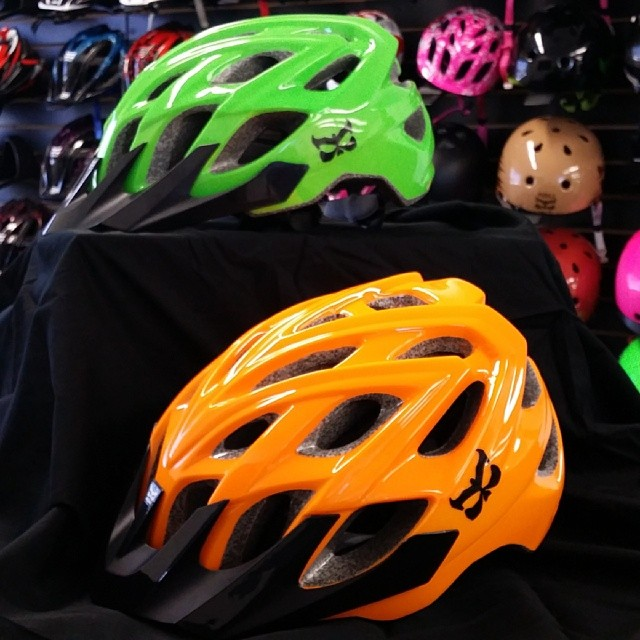 Trying to be safer while you're out riding? Grab one of our NEW Chakra Logo Hi-Viz helmets! #kaliprotectives #kalipro #kali #xc #chakra #hiviz