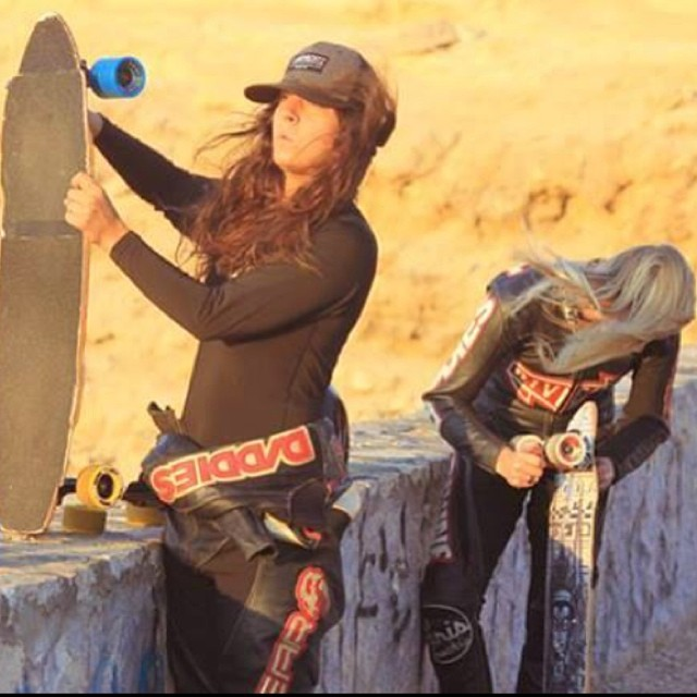 These two bosses getting ready for the Ramon Crater DH session while shooting #lgcopen. Full movie coming very soon! #longboardgirlscrew @landyachtzlongboards @daddiesboardshop @skateriviera @paristruckco @divinewheelco @gformprotects Pic by...
