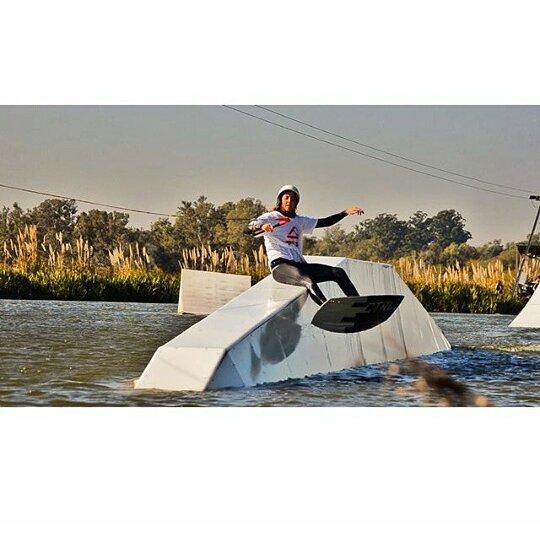 @sofygrimauu ❄Invierno de Wake ❄ #ReefGirls #winter2015 #wakeboard #wakeboarding #wakeboarder #lakelife #lifestyle #wakegirls #boardsports #ReefTeam #ReefArgentina