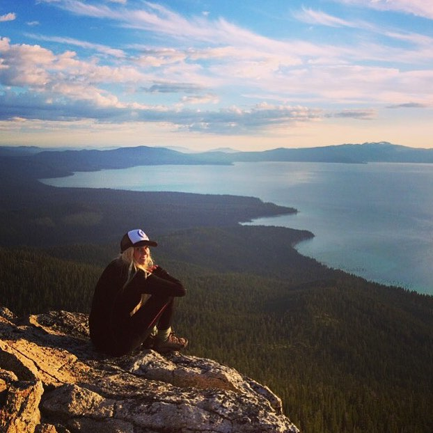 #miolagirls are also mountain girls || at the top with #ambassadress @ayeboulet || #getoutthere #miolamazing #mountaingirl #topoftheworld #laketahoe #hikergirl