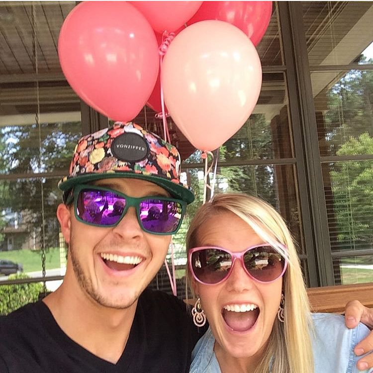 It's a girl! Congrats @tbayne6 on the new addition to the family. #VonZipper