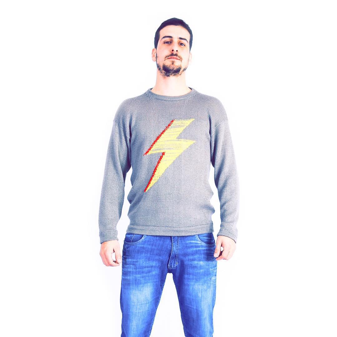 El #sweater #davidbowie es todo y ahora con el rayo yellow ⚡️⚡️⚡️⚡️⚡️⚡️⚡️⚡️ #zarpado