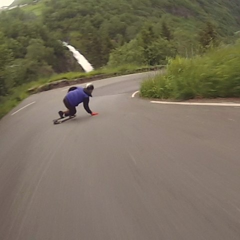 New #rawrun is up on #restlessboards page!  @niko_dh down the incredible 13 hairpins one way down in Norway!  #restlessnkd
