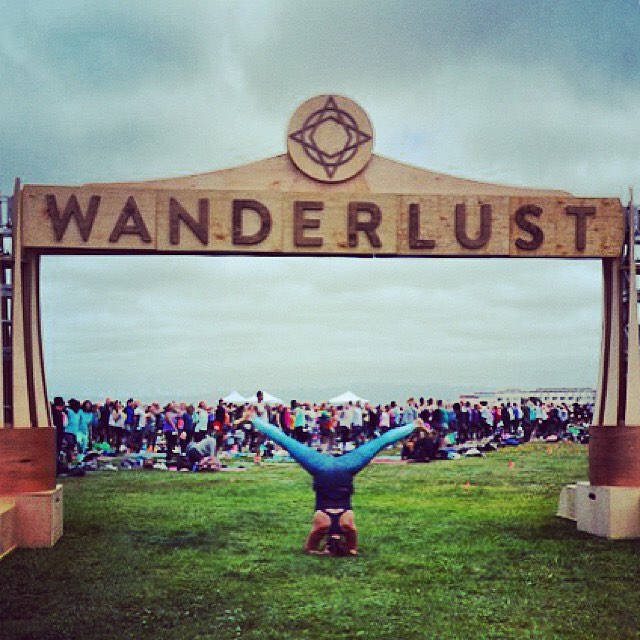 See you @wanderlustfest #squawvalley this weekend!  #OKIINO #printleggings #headstand #splits #yogaeverywhere #wanderlust #wlsquaw #wanderlustfest #festival OKIINO.com