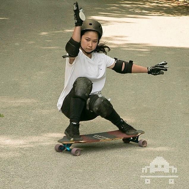 LGC Canada rider @czarlene getting low. @jonathan_nuss photo for @skateinvaders!  #longboardgirlscrew #womensupportingwomen #skatelikeagirl #girlswhoshred #czarlenepontejos #skateinvaders #canada