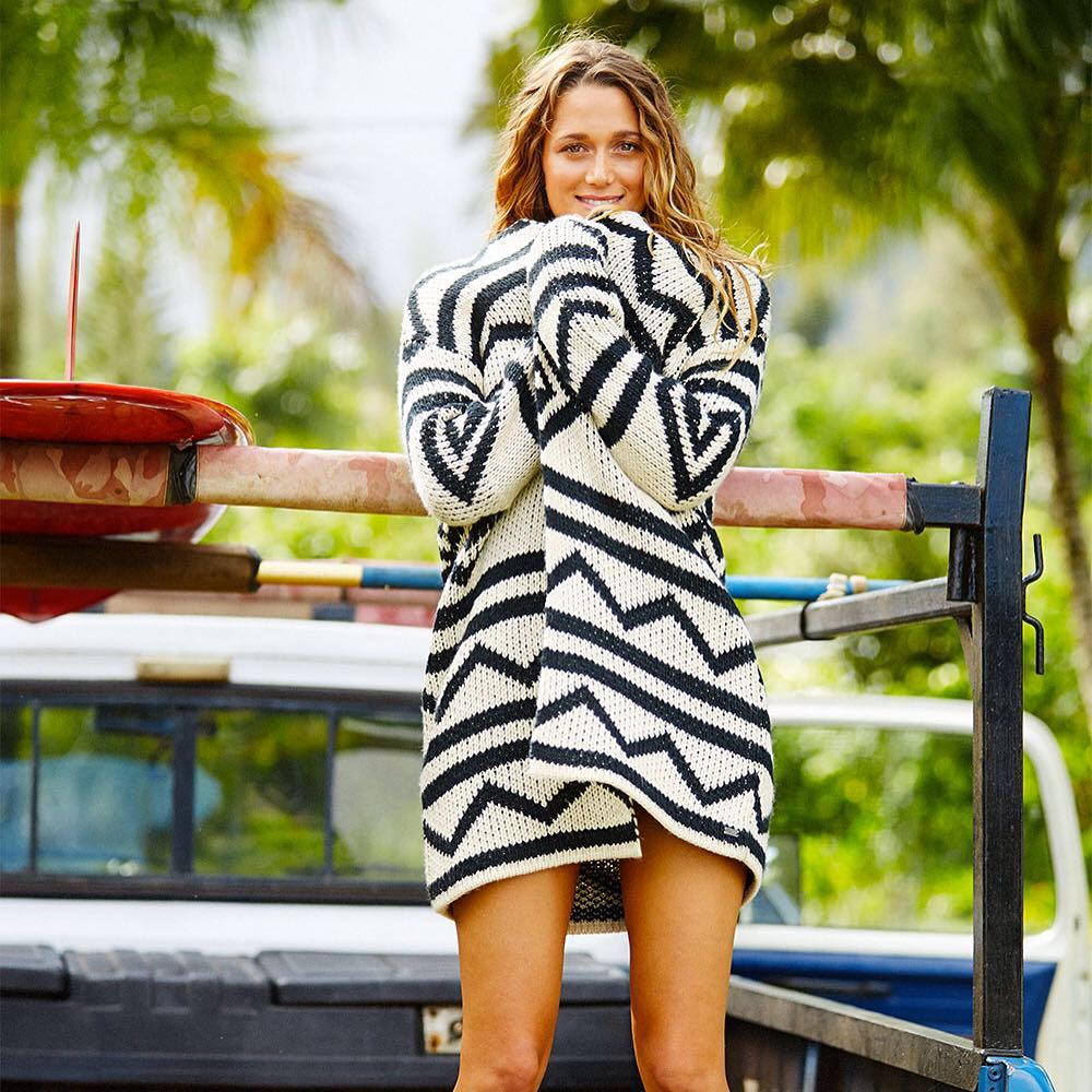 Hot styles. Cool nights. Get the new look! #ROXYready @monycaeleogram  roxy.com/new-arrivals