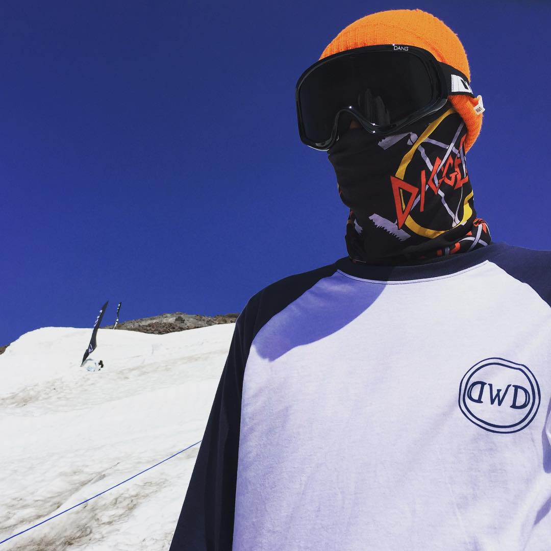 HCSC head digger @coreymcdonald rocking the custom @avalon7 X Diggers Tshield facemask.  No one works harder than the Diggers, and we wanted to help  keep their faces protected from the scorching sun on the glacier. #diggersupportnetwork #avalon7...