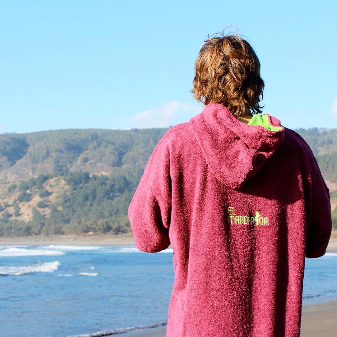 Nada mejor que ponerte y sacarte el traje de agua con un MANDARINA encima! Con este frío, LA CLAVE DEL EXITO!  Hace tu pedido por inbox en nuestro facebook:  www.facebook.com/elmandarinasurf  #ZionExperience #cold #sea #ocean #wake #kite #windsurf...