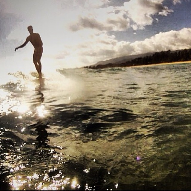 Walking on water // team rider @braddhabing #surfoahu #hawaii #norepboardshorts