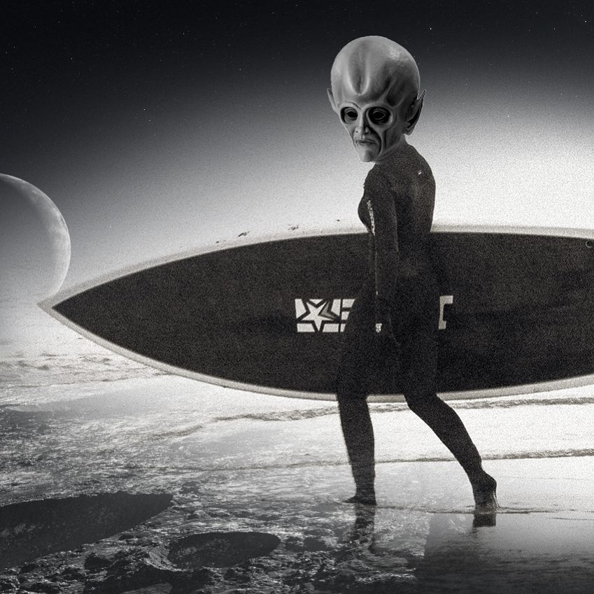 Great news: water has been found on Pluto! LIKE if you think aliens should do watersports too. #plutoflyby #water #jobemoments