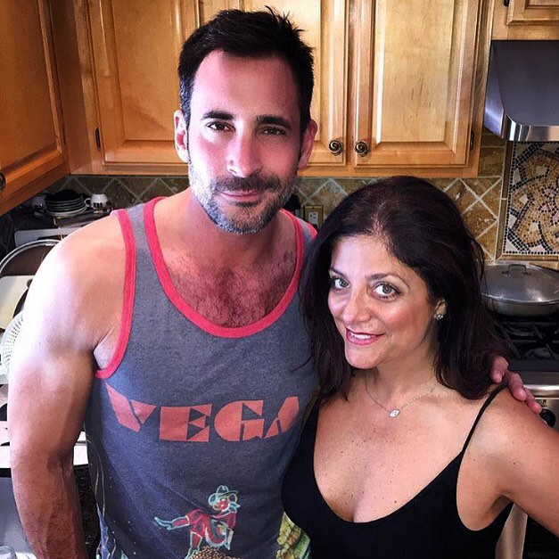 @lawrencezarian hanging out with @officialkathywakile in #threads4thoughts Vegas Tank! #fashion #sustainable #rhonj