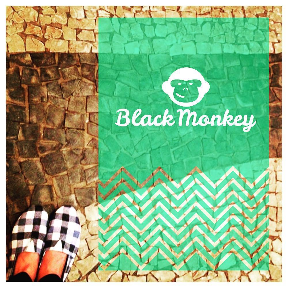 Preparando tus vacaciones de invierno? Lleva tus Black Monkey a todos lados!!! #blackmonkey #winter #thursday #vacations #monkeybrand #alpargatas #argentina #design #followus #calzado #colores #blackmonkeystore #enjoy