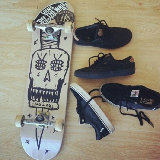 Re post @manu_dominguez! Mostranos tu #culturavans usando el hashtag.  #chima #skate #skateboarding #skatevans