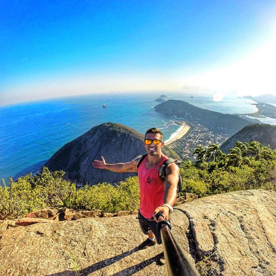 @allansik sports North Shore while hiking to the top of Pedra do Elefante in Brazil! Tap the link in our bio to get a pair today. Frames: North Shore Kameleonz.com