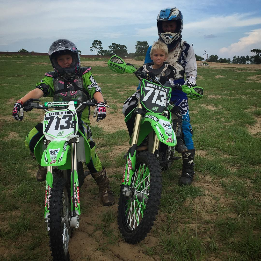 Nothing better than a motocross family wanting to learn! @g1willis713 #family #wolfmx #motocross #moto #rpgracing