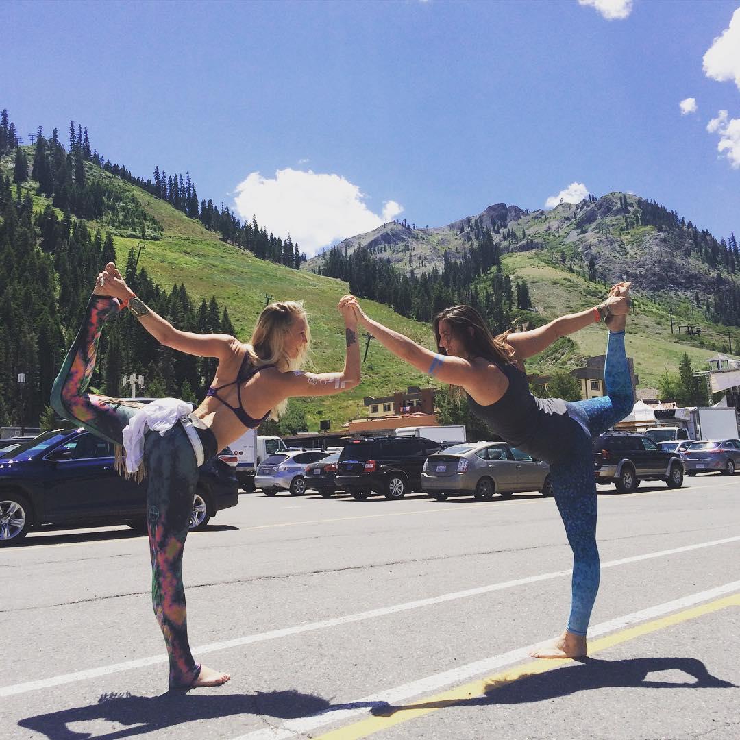 Wanderlustin'  #wanderfest #wanderlustsquawvalley2015 #findyourtruenorth #yoga #festival #printpants #laketahoe #OKIINO