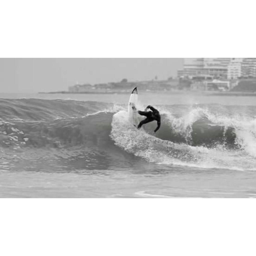 """@mpasseri1 - """"El Surfing nos cambió, para bien, la vida a muchos de nosotros. Y ese espíritu de viajar en búsqueda de ola perfecta nos regala momentos y personas que también mejoran nuestra existencia. Esta gran familia que somos esta hecha de la..."""