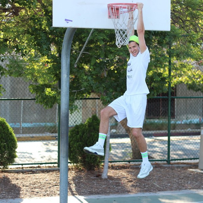 Side effects that occur after being able to #grabapair include #throwingdown #monster #dunks @parkeryorksmith #hoops #baller #streetball #buckets #theflip #wearebright