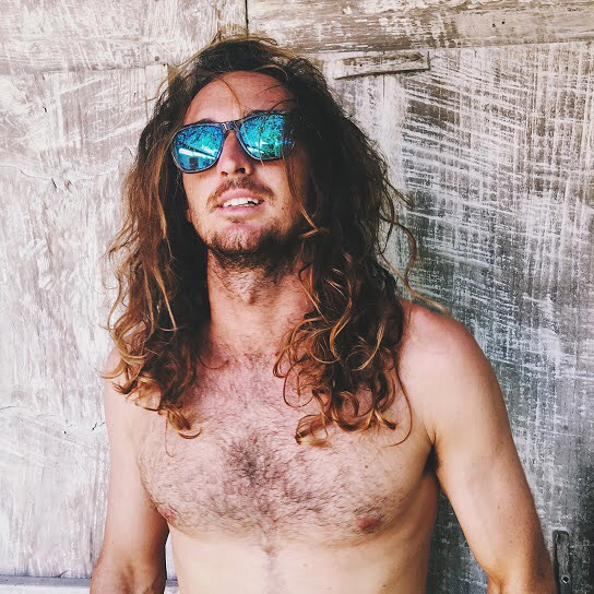 What are you and your friends doing this summer? Our friend @mattdawgbali is killing it. Tag your friends and let us know || #longhairdontcare #goodvibes #sunnies #blueskys #thesweetlife