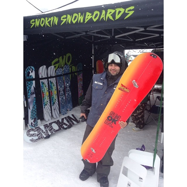 It's snowing at Copper! our Colorado salesman @matt_kauf with our first split board - the #powwowsplit. #forridersbyriders  #handmadelaketahoe stop by to try  the #futurefreeride boards.