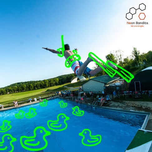 We call this catapulting into the #weekend #slipnfly @ohiodreams #actionsports  #scubasteve #grabapair #flying #boardlife