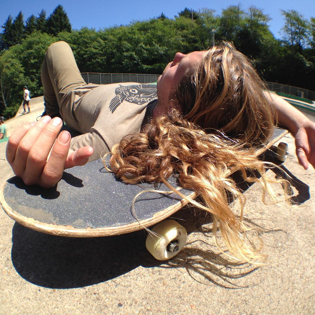 Skate break @camrev33 #sk8north #bloodorangewheels #whiskeyproject #caliberstandards #skateboarding