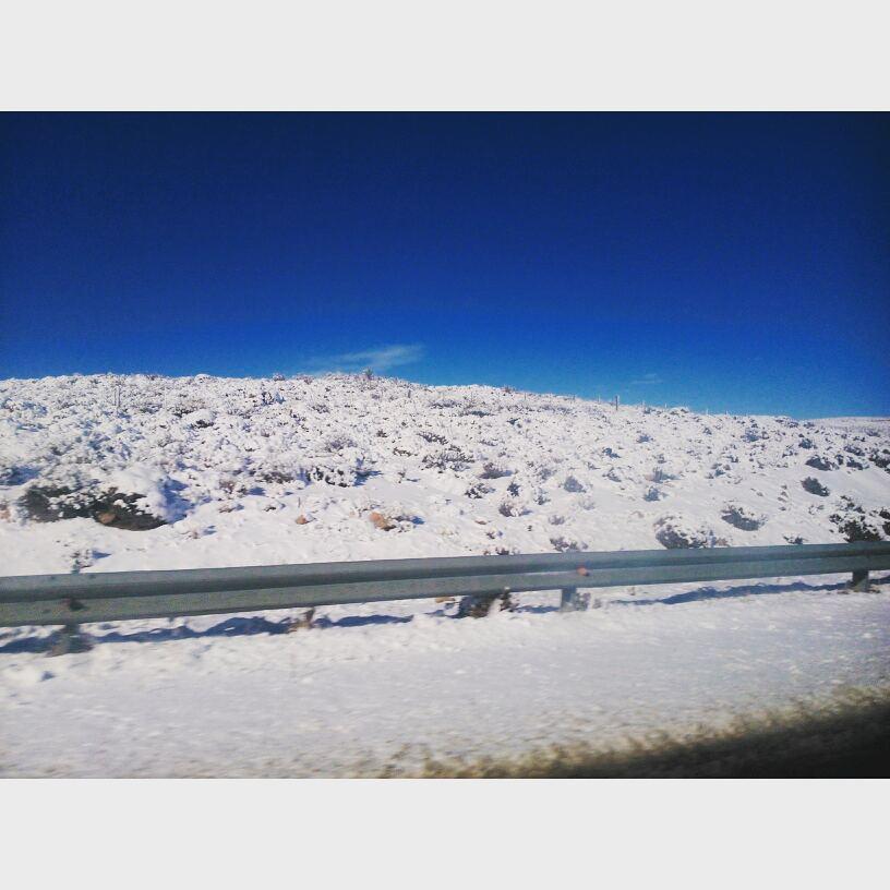 Que 100 km antes de llegar te encuentres con esto, no tiene precio.  #SMA #Snow #FamilyTrip #Argentina #Neuquen #PoneteLaTabla!!!!