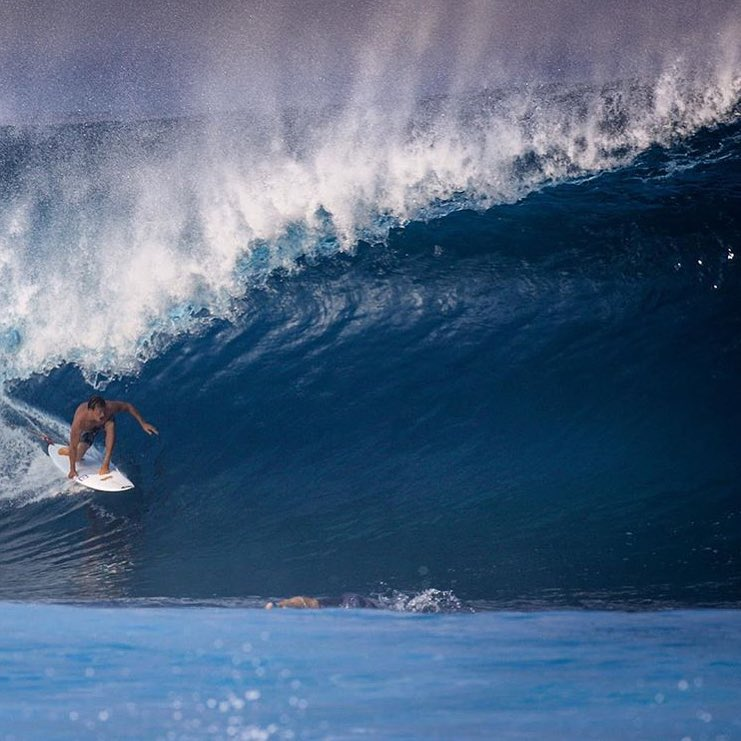 Ward going banzai at Pipeline.