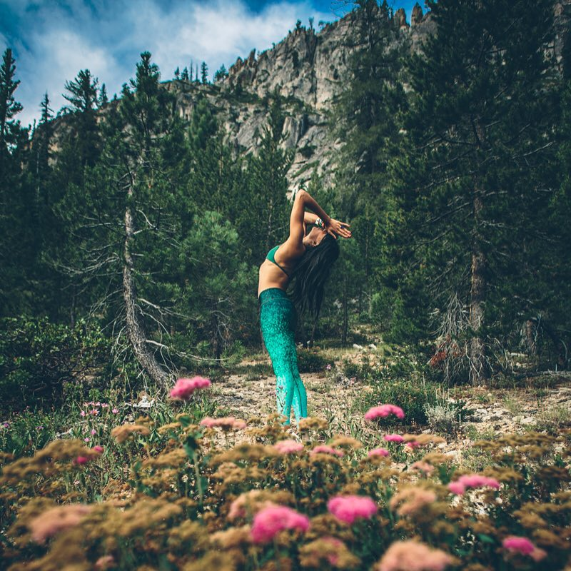 Spending time in the magical mountains among the trees and the wild flowers is so good for the soul.  @ndnlifestylist in Emerald Scales captured by @penaphotography  #wanderlust #mountains #squawvalley #wanderlustfest #wanderlustfest2015...